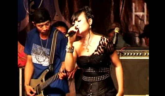 Download MP3 Sera - Antara Teman dan Kasih oleh Ina Samantha