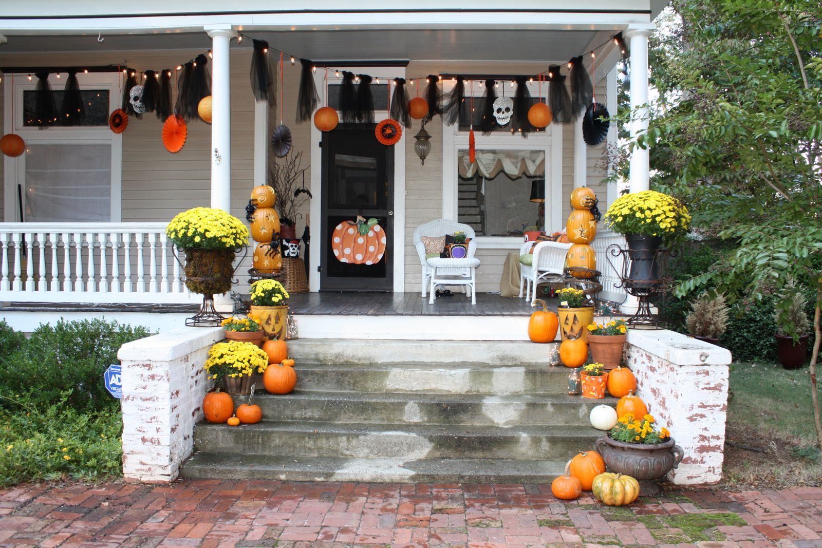 Decorating Ideas > Our Southern Nest Whimsical Halloween Decorations ~ 023923_Halloween Decorating Ideas Porch