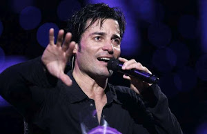 Chayanne reacciona al robo que sufrieron sus padres