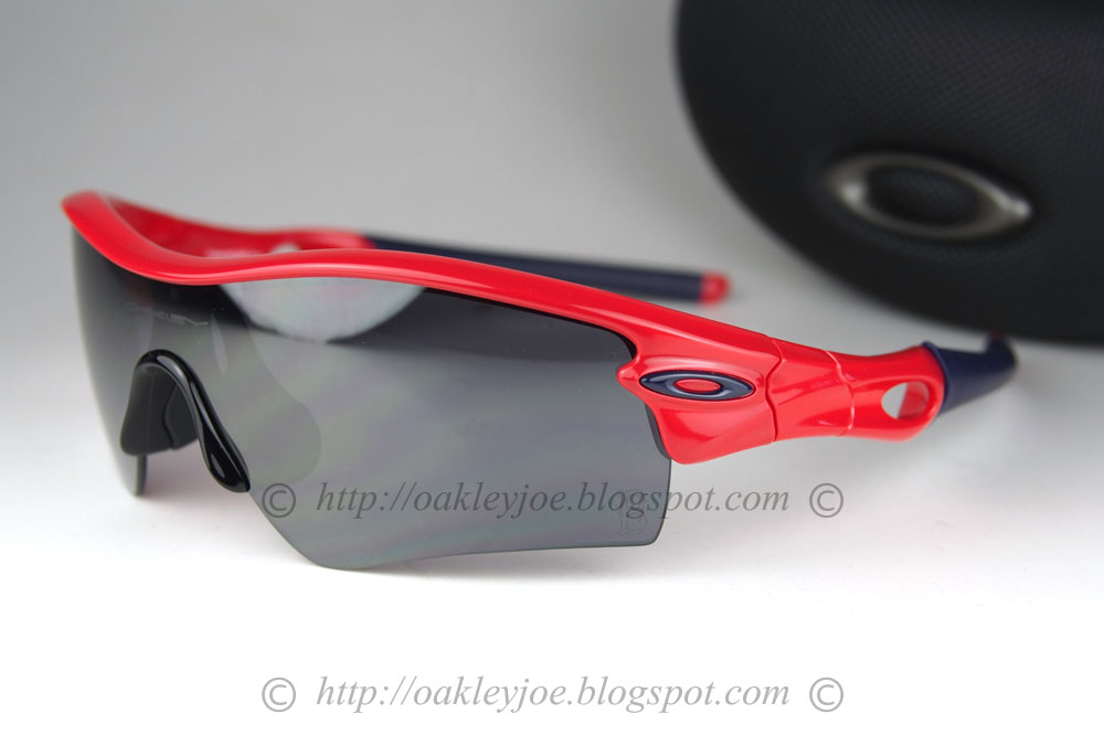 oakley watches prices 3ybs  lens pre coated with Oakley hydrophobic nano solution complete package with  box, vault, pouch, extra nosepiece
