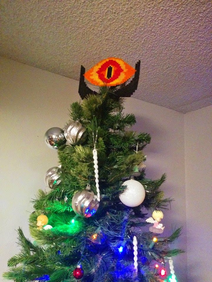 geek with curves 5 great tree toppers for geekmas