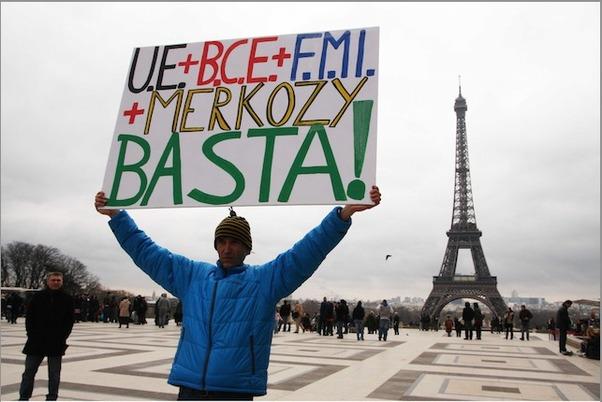Le Nouvel Ordre Mondial n'a aucune chance de voir le jour Troïka+et+Deutsche+Bank+veulent+plier+les+peuples+européens