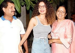 Kangana Ranaut Outing With Family Photos