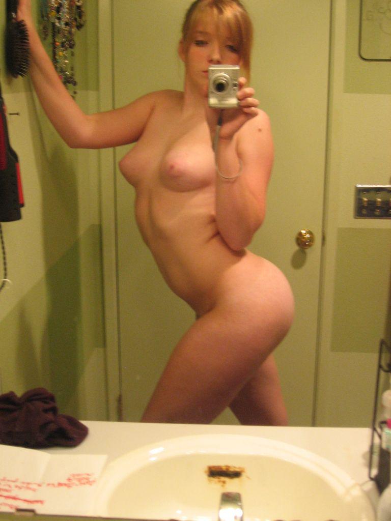Foto espejo desnuda