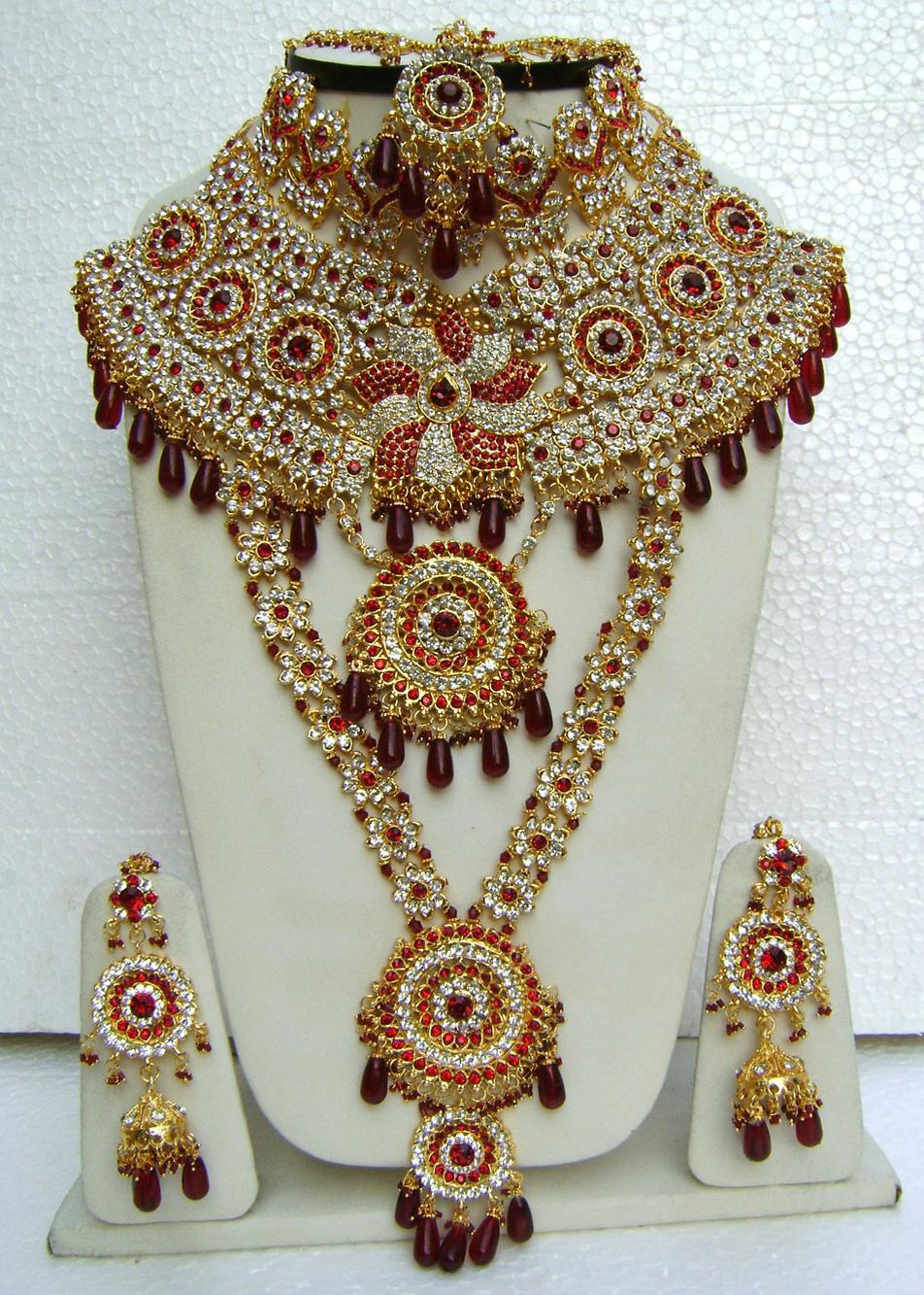Modern gold jewellery designs india beautiful bracelets - Beautiful Bridal Collection