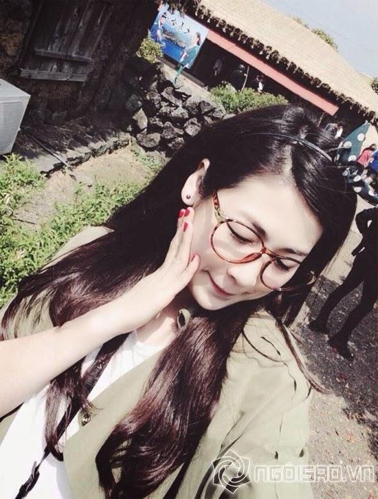 Á hậu Tú Anh khoe ảnh xinh như gái Hàn Quốc