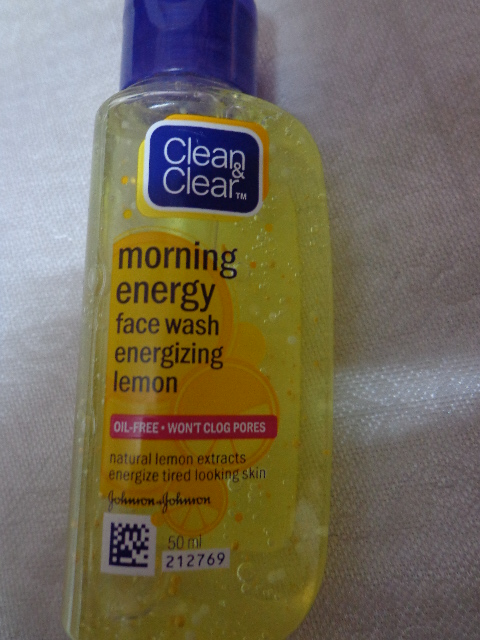 Clean & CLear Energizing Face Wash - Lemon Review