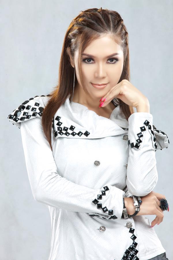 Myanmar Celeb Popular Model and Singer Khum Sint Nay Chi