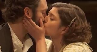 Tristan e Candela si baciano Il segreto