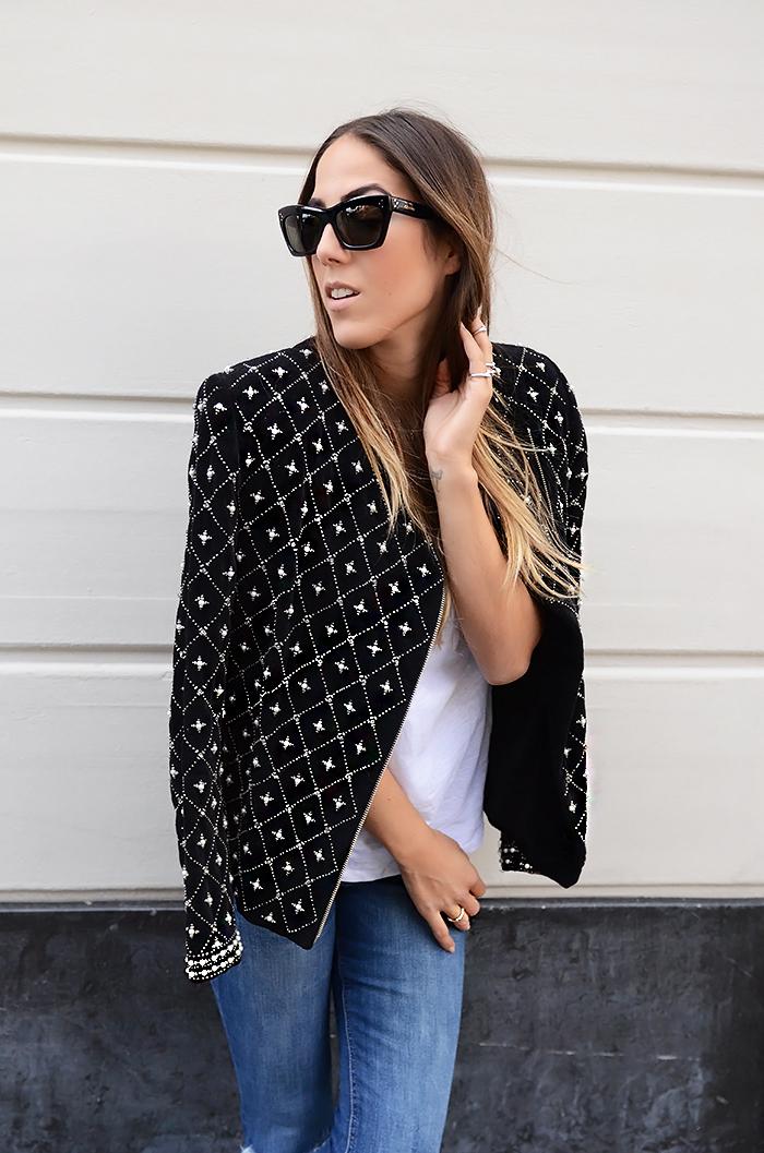 alison liaudat, blazer, blog mode suisse, casual, fashion blogger, fashion event, Jeans, packing, paris, pfw, ripped, schweiz, statement piece, t-shirt blanc, white tee,