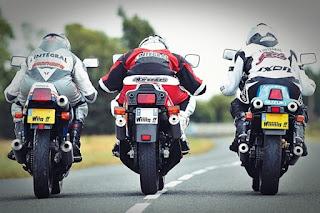 Suzuki RG500 vs Yamaha RD500 vs Honda NS400R