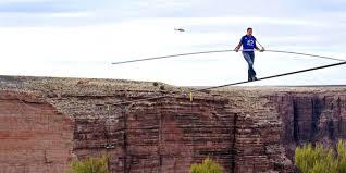 Nik Walenda traverse sur un fil le Grand Canyon