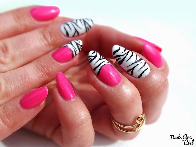 Nail art Zèbre et rose fluo été