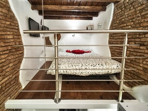 10-Bedroom-Mode-Smallest-House-in-Italy-75-sq-Feet-7-m2-Italian-Architect-Marco-Pierazzi-www-designstack-co