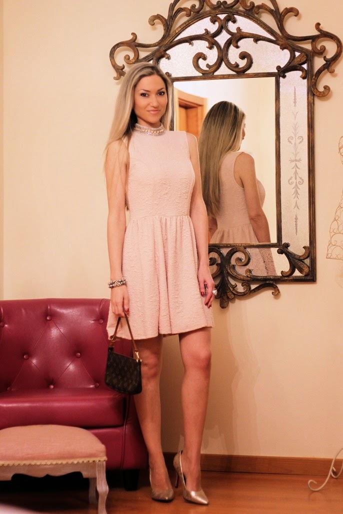 look do dia, ootd, look of the day, outfit, personal style, estilo pessoal, pastel pink dress, cores pastel, tendências, primavera verão 2014, vestido rosa pastel, rosa bebé, escarpins, clutch, louis vuitton, primark, accessorize, seaside, pumps, chic look, blog de moda, blogue de moda, blog de moda portugal, blogues de moda portugueses, consultoria de imagem, dicas de imagem, style statement, fashion blog, personal stylist