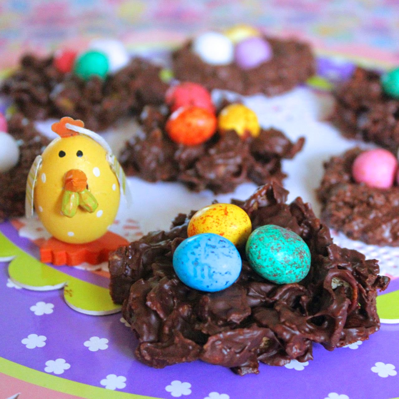 Green Gourmet Giraffe: Easter chocolate egg nests - two ways