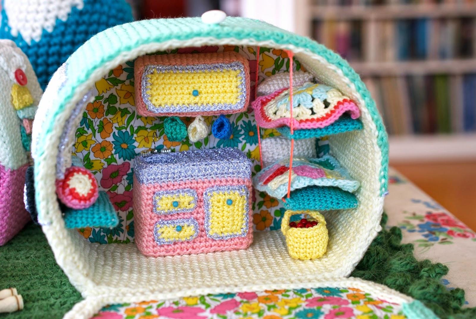 Caravan Knitting Pattern : Greedy For Colour: Crochet Caravan Pattern News!