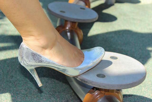 chaussures argentées minelli