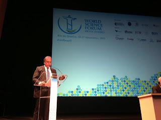 Pezão participa de abertura de Fórum Mundial de Ciência