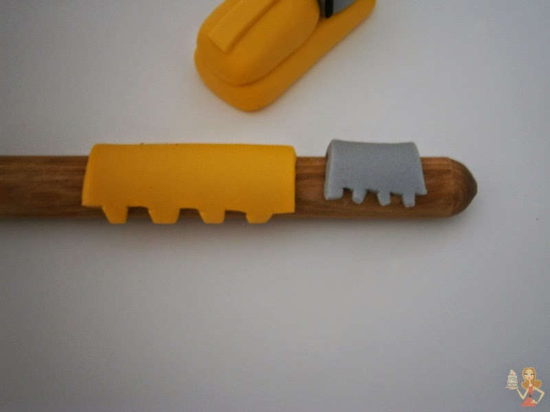 how to make a digger cake topper