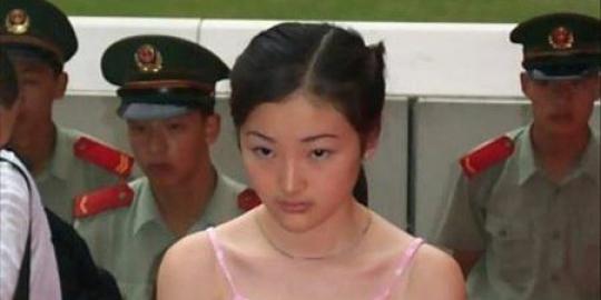 Gadis 20 tahun asal Provinsi Yunnan, selatan China, ini menggegerkan ...