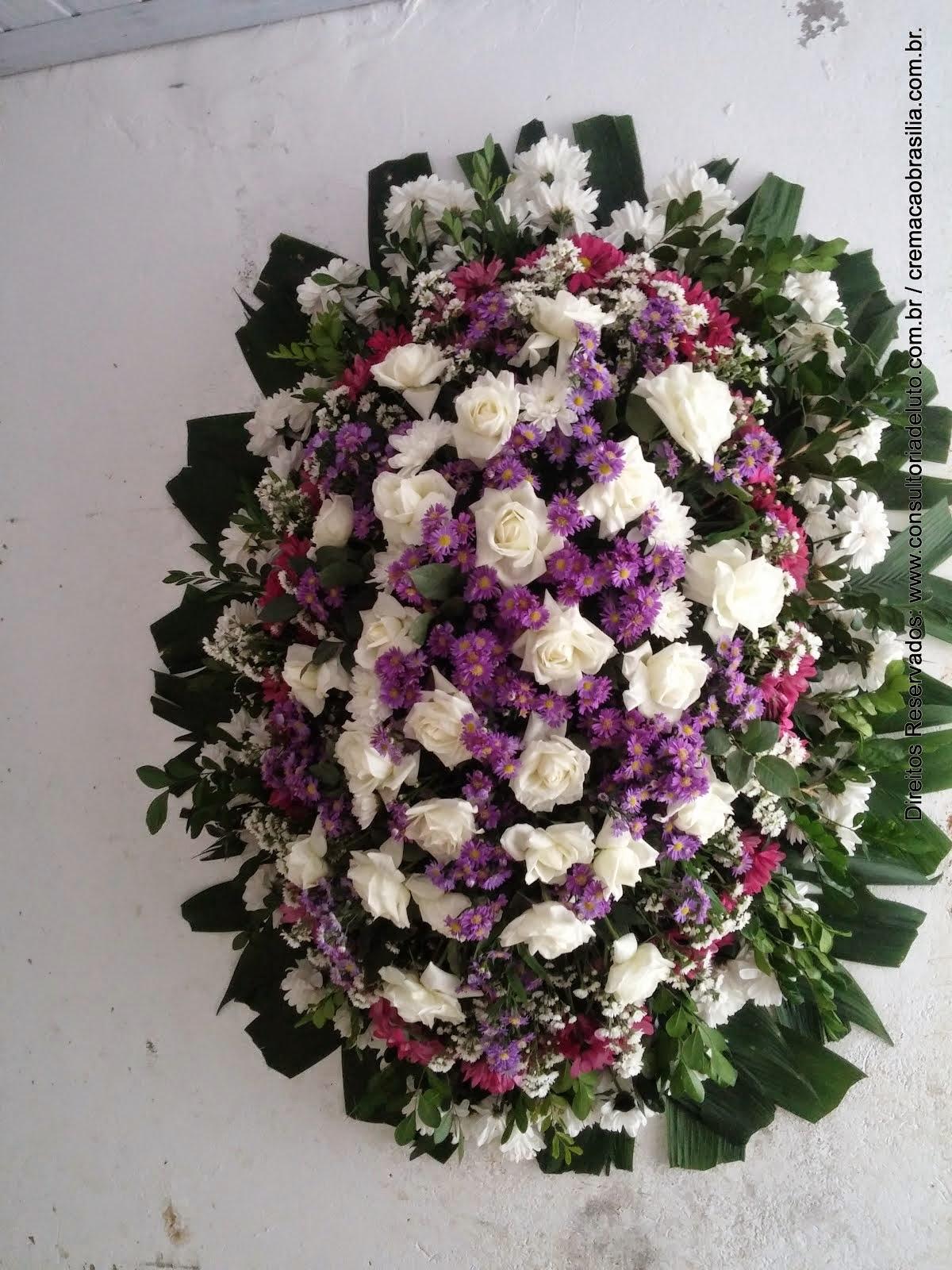 Coroa com flores naturais