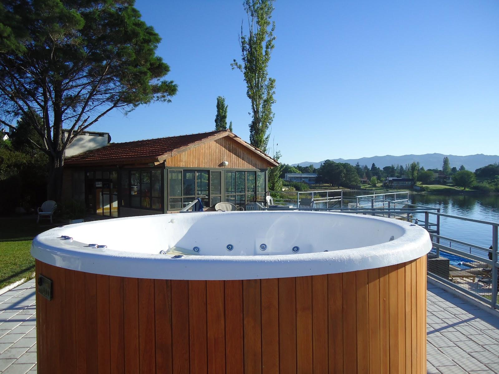 Ruhaj mini piscina 230x90 en el jard n de un cliente for Piscinas jardin cordoba