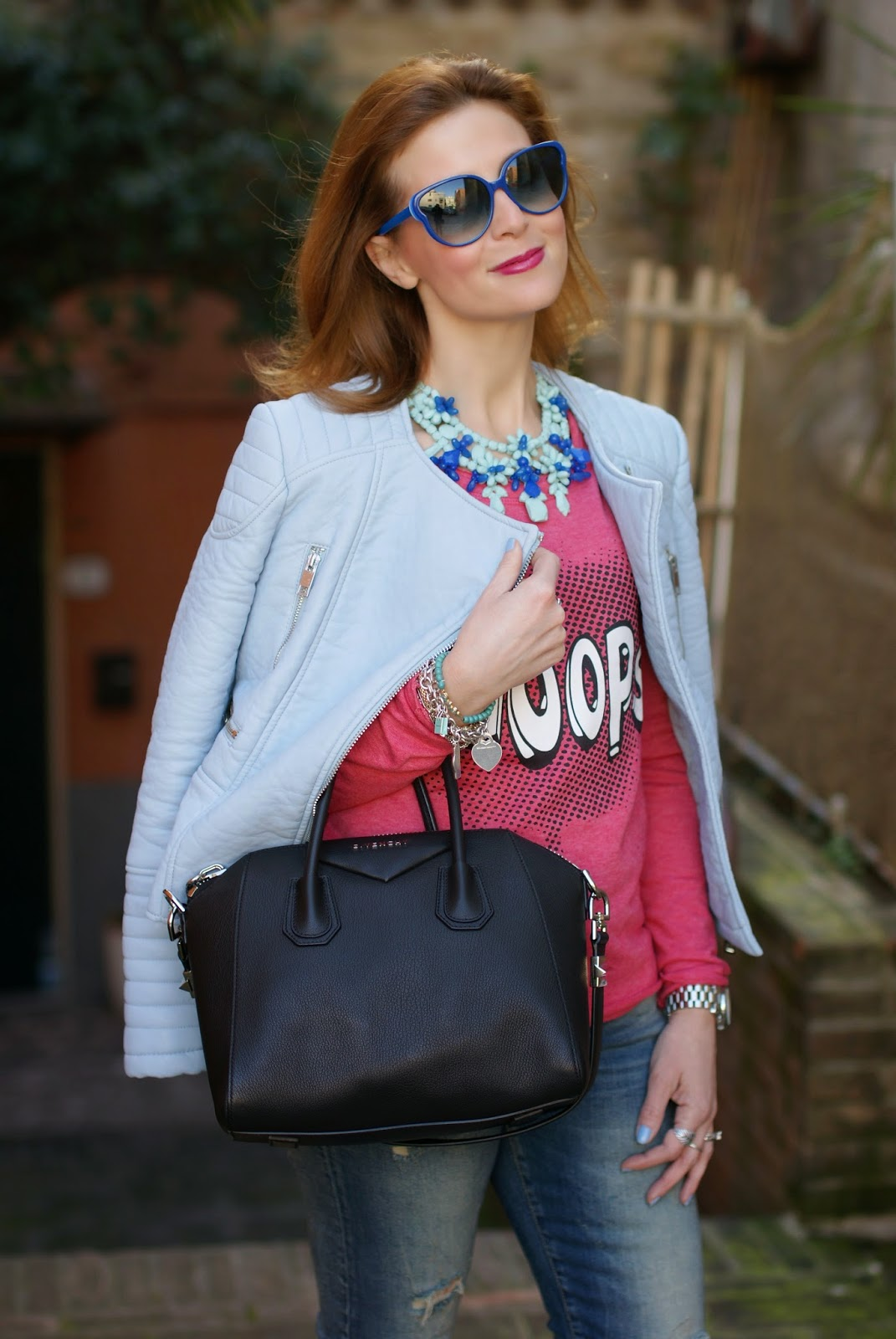 Zara baby blue faux leather biker jacket, desires sweatshirt, giubbotto pelle celeste Zara, Givenchy Antigona bag, Marc by Marc Jacobs blue sunglasses, Fashion and Cookies, fashion blogger