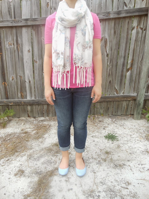 Capsule Wardrobe Outfit #4: Pink and Cinderella Blue. Bright pink tee, adorable scarf, scalloped Cinderella blue flats, skinny jeans. #BowsandClothes #outfit #cinderella