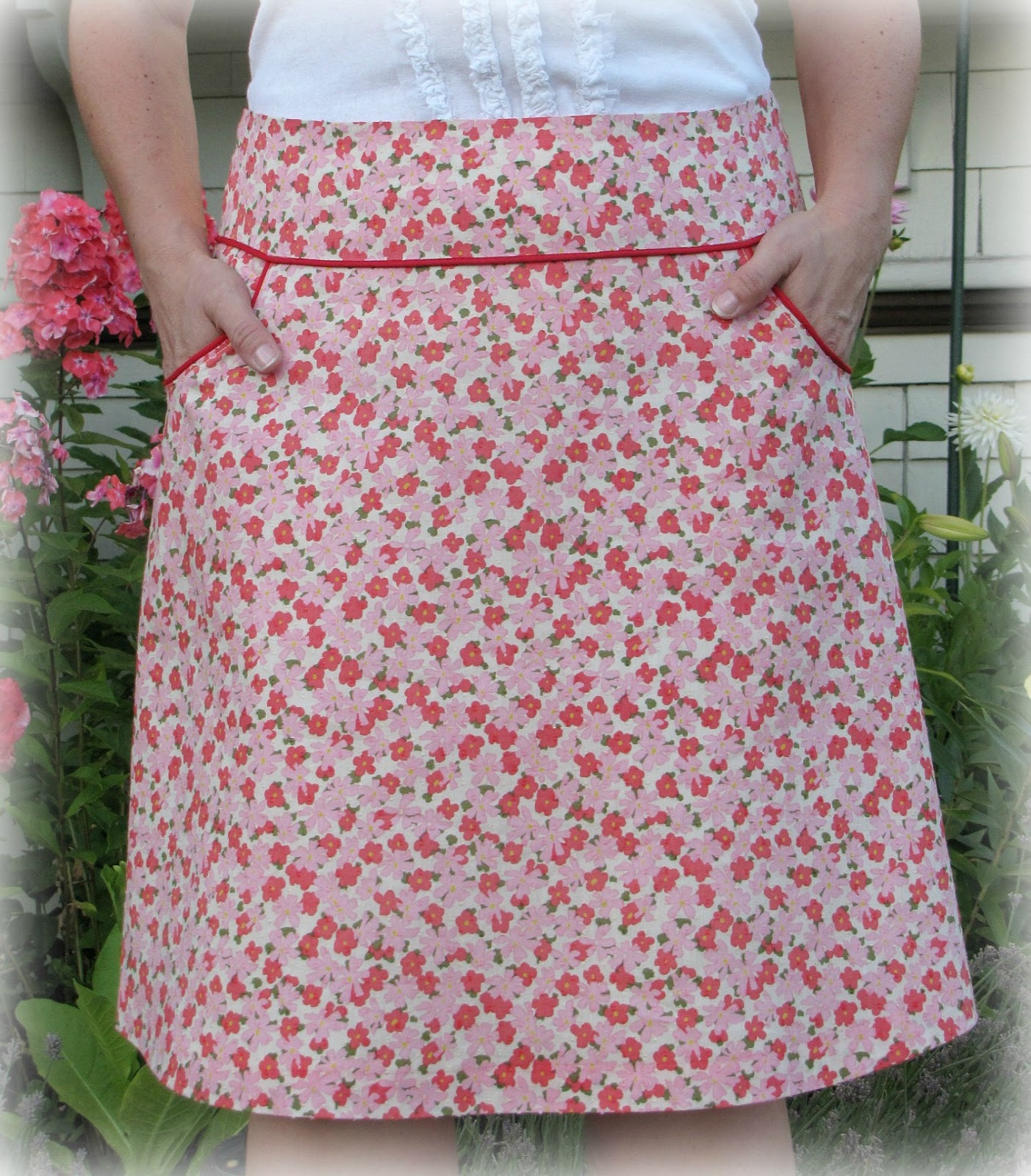 Vintage floral a line skirt super online sewing match challenge online sewing match hosted by sew mama sew the first challenge was to make and design an a line skirt with the help of deborah moebes craftsy class jeuxipadfo Image collections