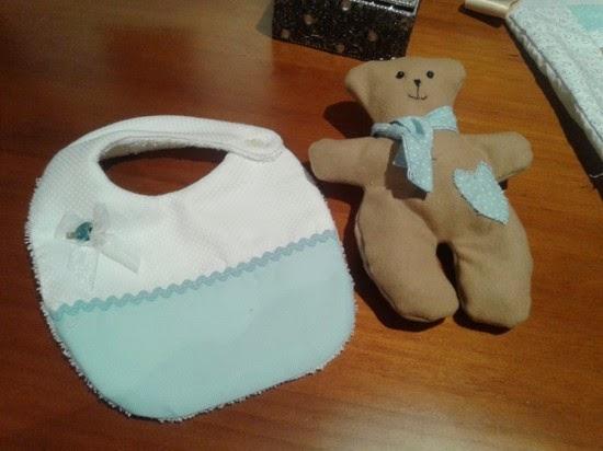 Osito y babero de bebe regalos personalizados