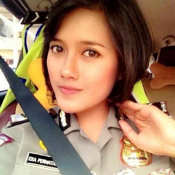 Galeri Foto Selfie Polwan Cantik Mulus Terbaru 2014 | Nirmala Cantik ...