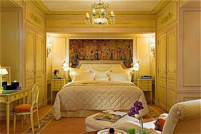 Top most elegant beds and bedrooms in the world cream grand ma 39 s type bedroom - The most beautiful bedroom in the world ...