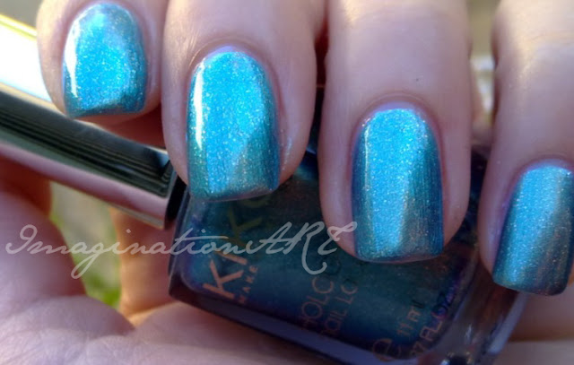 kiko_352_esmerald_nebula_swatch_swatches_smalto_nail_polish_lacquer_unghie_light_impulse