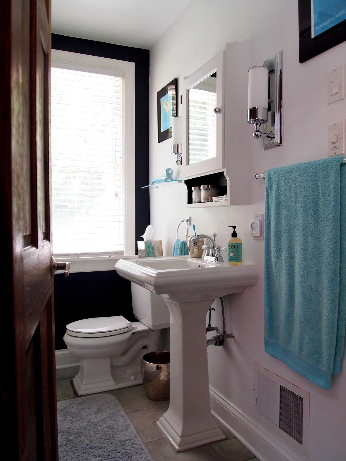 Combathroom Updates : Cozy Little Cave: Upstairs Bathroom Updates
