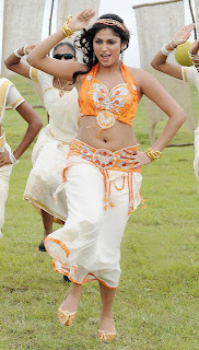 actress hari priya hd hot spicy  boobs n navel shows pics photos images2