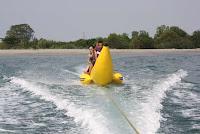 permainan pantai tanjung lesung,water sport tanjung lesung beach,wisata pantai tanjung lesung,resort tanjung lesung,harga tiket masuk pantai tanjung lesung