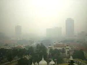 Kabut asap menyelimuti Kuala Lumpur
