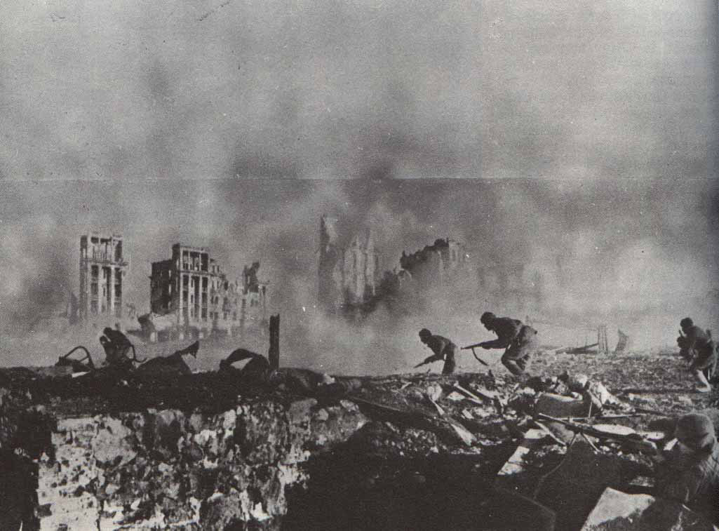 Historical photos battle of stalingrad ww2 for Cities destroyed in ww2