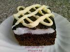 Néger kocka recept, tejtermék mentes, kevert tésztás sütemény, tojásfehérjehabbal és csokoládémázzal.