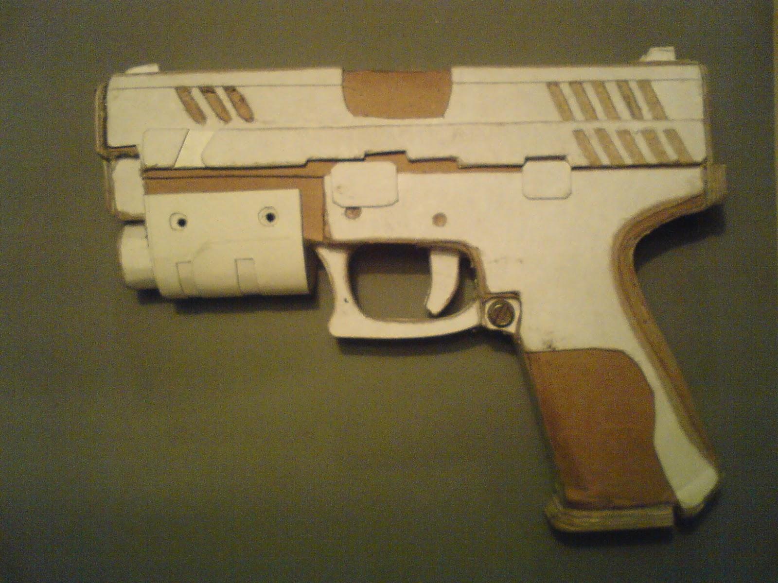 Pistola Blacktail - Resident Evil DSC04447