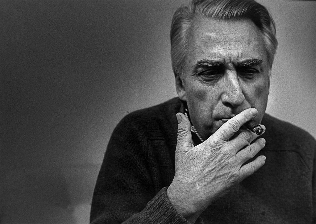 roland barthes essays mythologies Roland barthes (1915 the significance of the dozens of essays barthes wrote for les lettres nouvelles is that most of his topics roland barthes: mythologies.