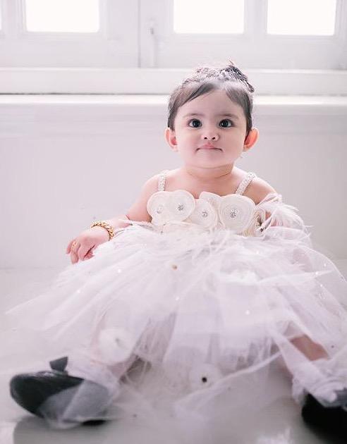 Che Ta, Zain Saidin Hadiah Rantai Leher Berlian Untuk Aaisyah Sempena Hari Lahir Pertama