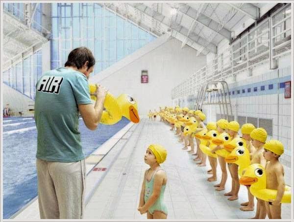 smiješan posao na bazenu