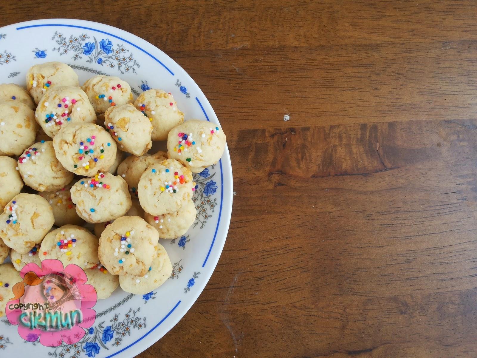 biskut raya, menu hari raya, kuih raya, cornflake, cornflake ranggup, biskut cornflake, cornflake sedap, biskut sedap, biskut cornflake mudah, resepi, resepi mama carey, resepi almond london, #munmasak,