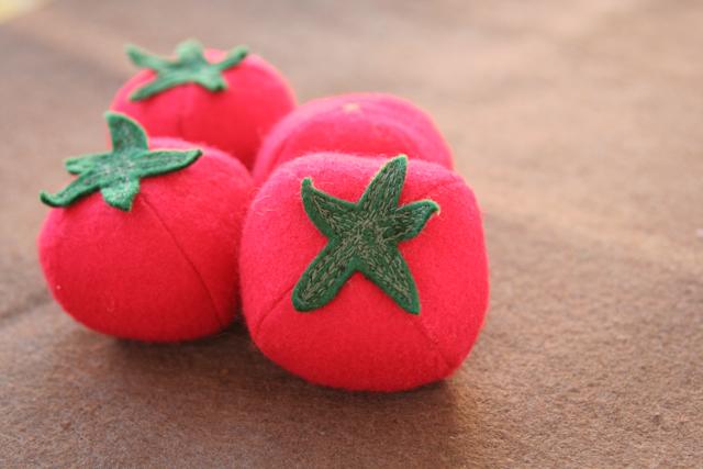 one little imp felt tomato