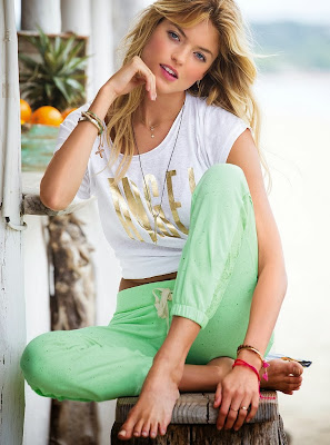 Martha Hunt hot pics of sexy body model for Victoria's Secret swimwear photoshoot