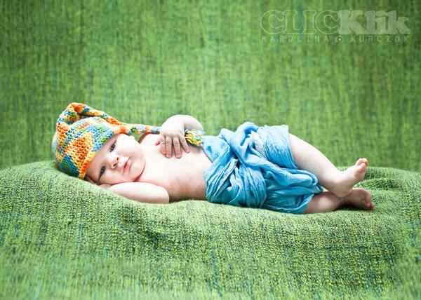 CLICKlik - fotografia niemowlęca - Filipek w czapeczce