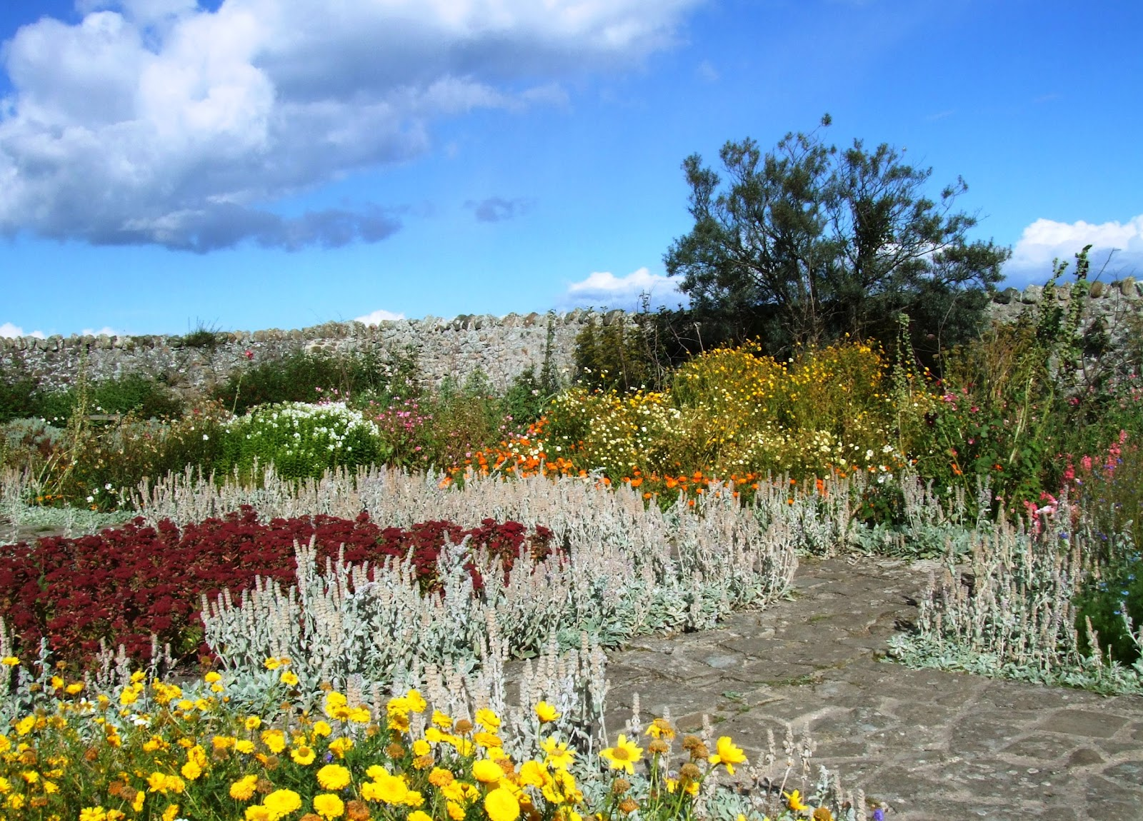 A garden for pablo inspirational places Children and gardens gertrude jekyll