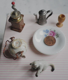 little objects for dollhouse
